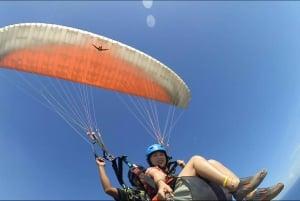 Uluwatu: Tandem Paragliding Experience