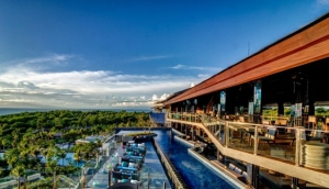 UNIQUE Rooftop Bar Lounge & Restaurant