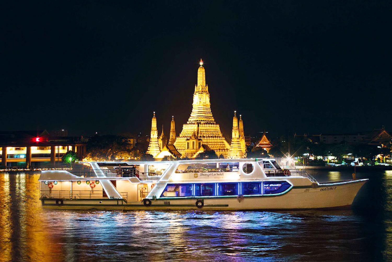 2-Hour Shangri-La Horizon Five-Star Buffet Dinner Cruise