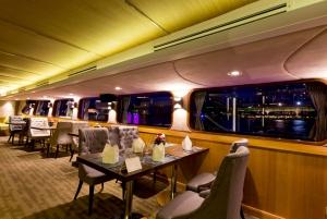 Bangkok: 2-Hour Wonderful Pearl Candle Light Dinner Cruise