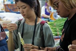 Bangkok: Decorative Thai Flowers Class
