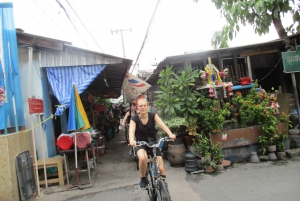 Bangkok Full-Day Bike Tour with Boat Transfer and Lunch