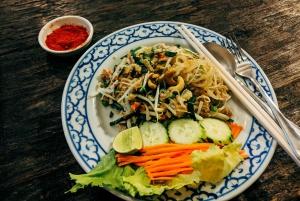 Bangkok: Street Art and Street Food Walking Tour