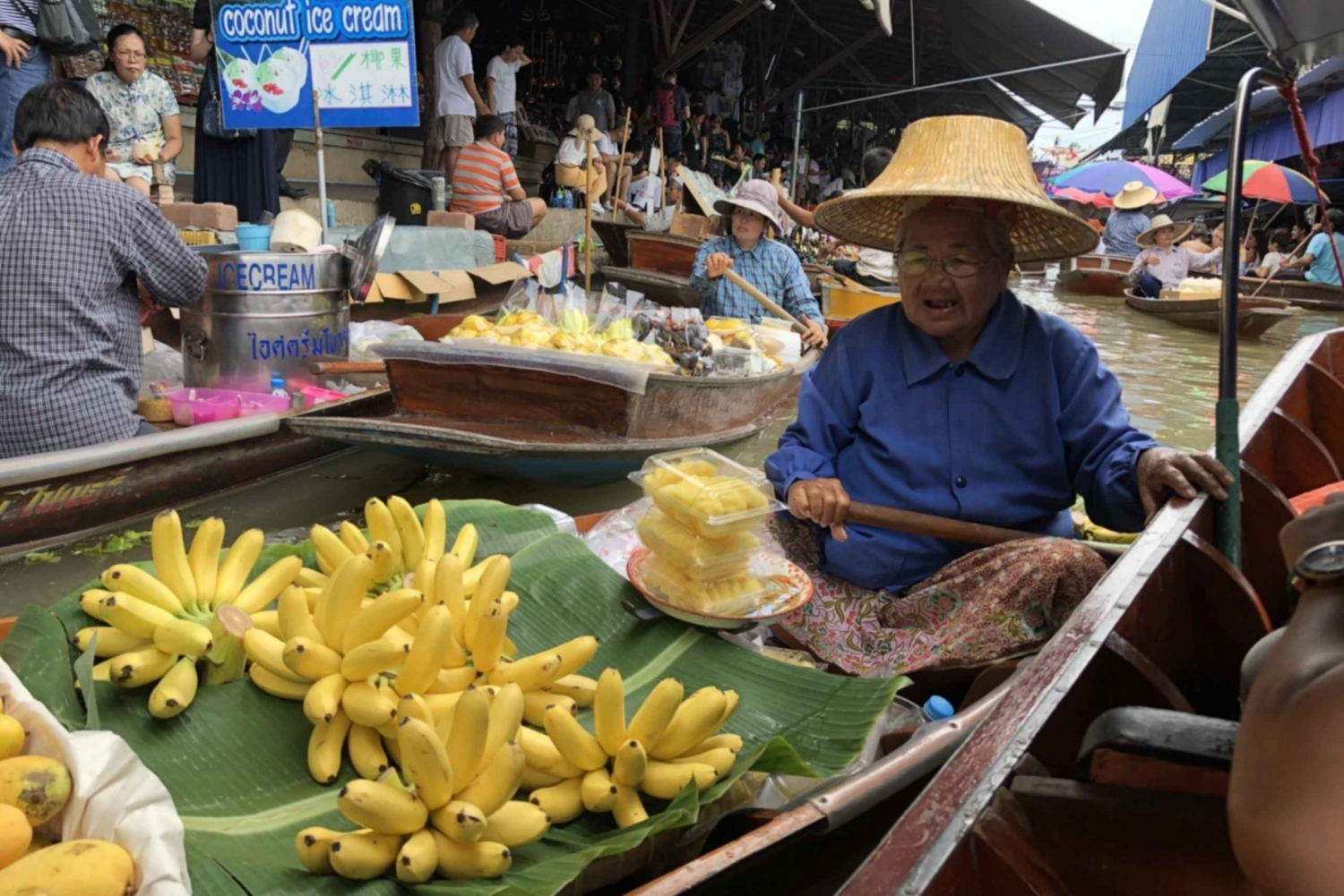 Bangkok's Must-See Weekend Floating Markets Private Day Trip
