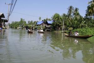 Damnoen Saduak Full-Day Bicycle Tour from Bangkok