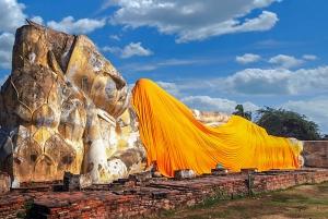 From Bangkok: Ayutthaya Day Tour by Car & Cruise in Spanish