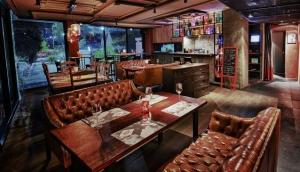 Gossip Gastro Bar