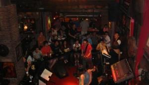 Saxophone Jazz Pub