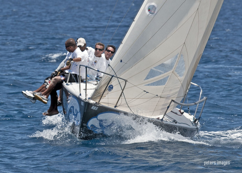 Lucky Horseshoe J24 Regatta & Offshore Regatta