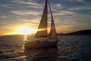 1.5-Hour Sunset Cruise on a Sailing Boat