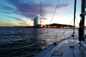 Barcelona: 2-Hour Sailing Experience with Refreshments