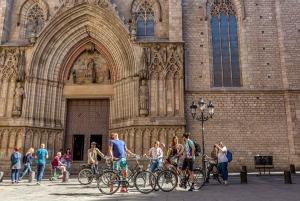 Barcelona: 4-Hour Small Group Bike Tour