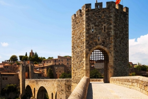 Barcelona: Besalú & Medieval Towns Tour with Hotel Pickup