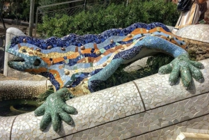 Barcelona: Full-Day Guided City Highlights Tour