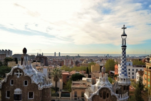 Barcelona: Full-Day Historical and Gaudí Highlights Tour