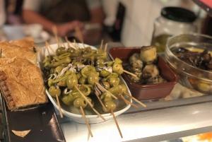 Barcelona: Gothic Quarter Tapas, Wine, and Dinner Tour