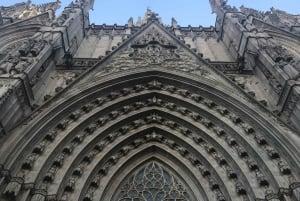 Barcelona: Gothic Quarter Walking Tour with Churros