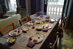 Barcelona: Home Food and Wine Tasting with Wine Lover