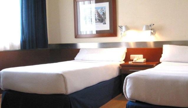Barcelona Hotel Husa Tres Torres