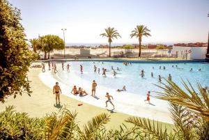 Barcelona: Illa Fantasia Water Park Skip-the-Line Day Ticket
