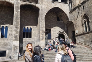 Barcelona: Old Town and Gothic Quarter Walking Tour
