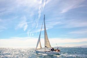Barcelona Port Vell: Afternoon Merienda Sailing Cruise