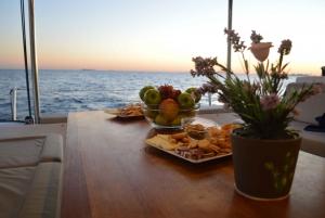 Barcelona: Private Catamaran Sailing Experience