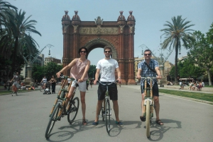 Barcelona: Private Highlights Tour by Bamboo Bicycle