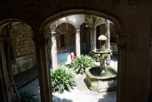 Barcelona: Slow Tour of the Gothic Quarter and Beyond