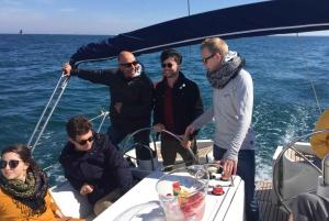 Barcelona: Sunset Sailing Experience
