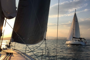 Barcelona: Sunset Sailing Including Drinks and Snacks