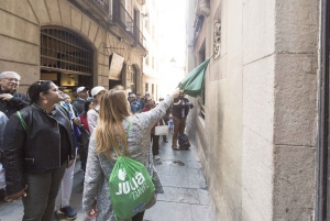 Barcelona: Walking Tour, Sailing Trip & Helicopter Flight