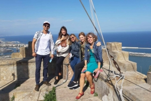 Barcelona: Walking tour with Montjuic Castle & Cable Car