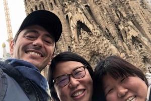 Barcelona Walking Tour with Sagrada Familia Priority Access