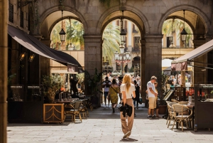 Explore the Gothic Quarter with a Local