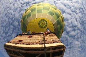 From Barcelona: Hot Air Balloon Flight at Sunrise