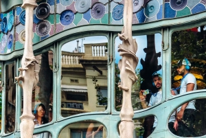 Gaudí Walking Tour