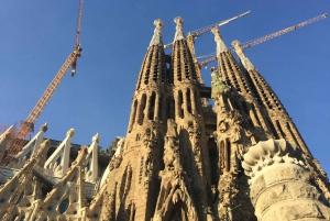 Montserrat & Artistic Barcelona: the Best of Gaudí