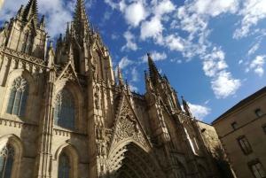 Sagrada Familia and Gothic Quarter Walking Tour