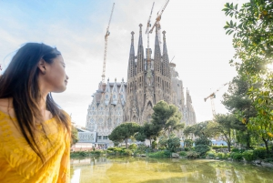 Sagrada Familia Guided Tour with Tower Access