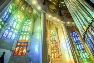 Sagrada Familia: Skip-the-Line Guided Tour with Tower