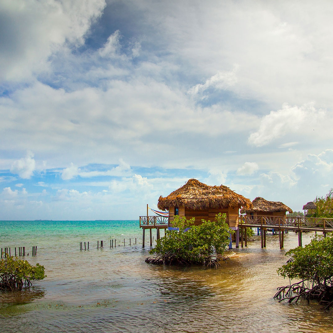 Best beach front resorts in Belize