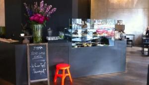 Cafe Oliv, Aus Liebe