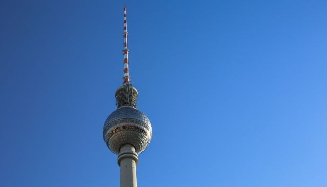 Das Berliner Fernsehturm - The Berlin TV Tower