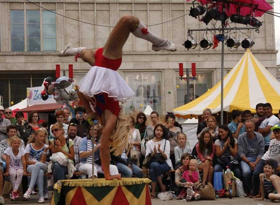International Street Theatre festival - Berlin lacht!