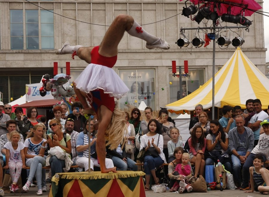 International Street Theatre festival - Berlin lacht!