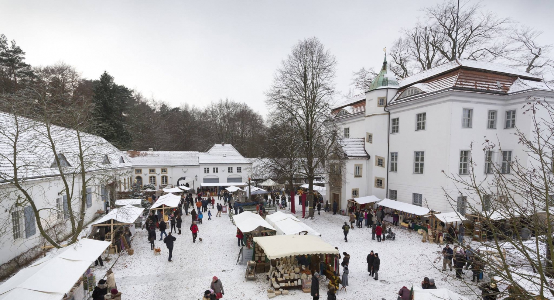 Märchenhafter Weihnachtsmarkt am Jagdschloss Grunewald