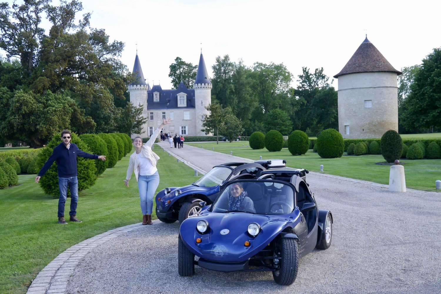 2.5-Hour Médoc Vineyard Self-Guided Buggy Tour
