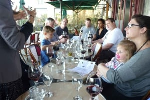 Bordeaux: City and Vineyard Walking Tour with Wine Tasting