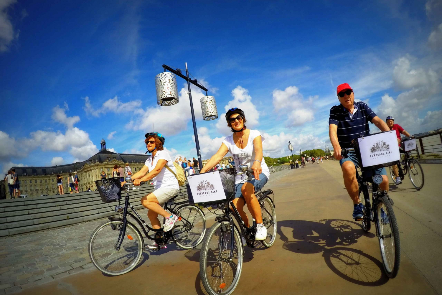 Bordeaux Essentials: 3-Hour Bike Ride
